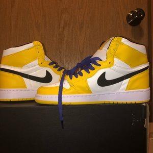 Nike Air Jordan 1 Mid SE Lakers